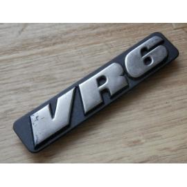 """Embleem """"VR6""""voor op deur Golf MK3, 1H0 853 714 A."""