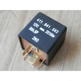 Grootlicht relais 12 volt.
